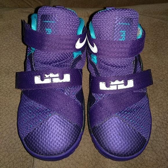 9667134274aa3 Nike Lebron James Purple